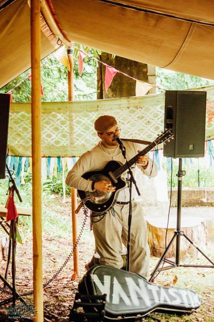 Van Tastik @ Kelburn Garden Party
